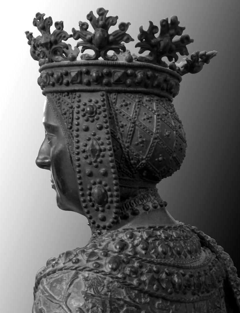 Joan of Castile (Innsbruck) Büste, hintere Schrägansicht