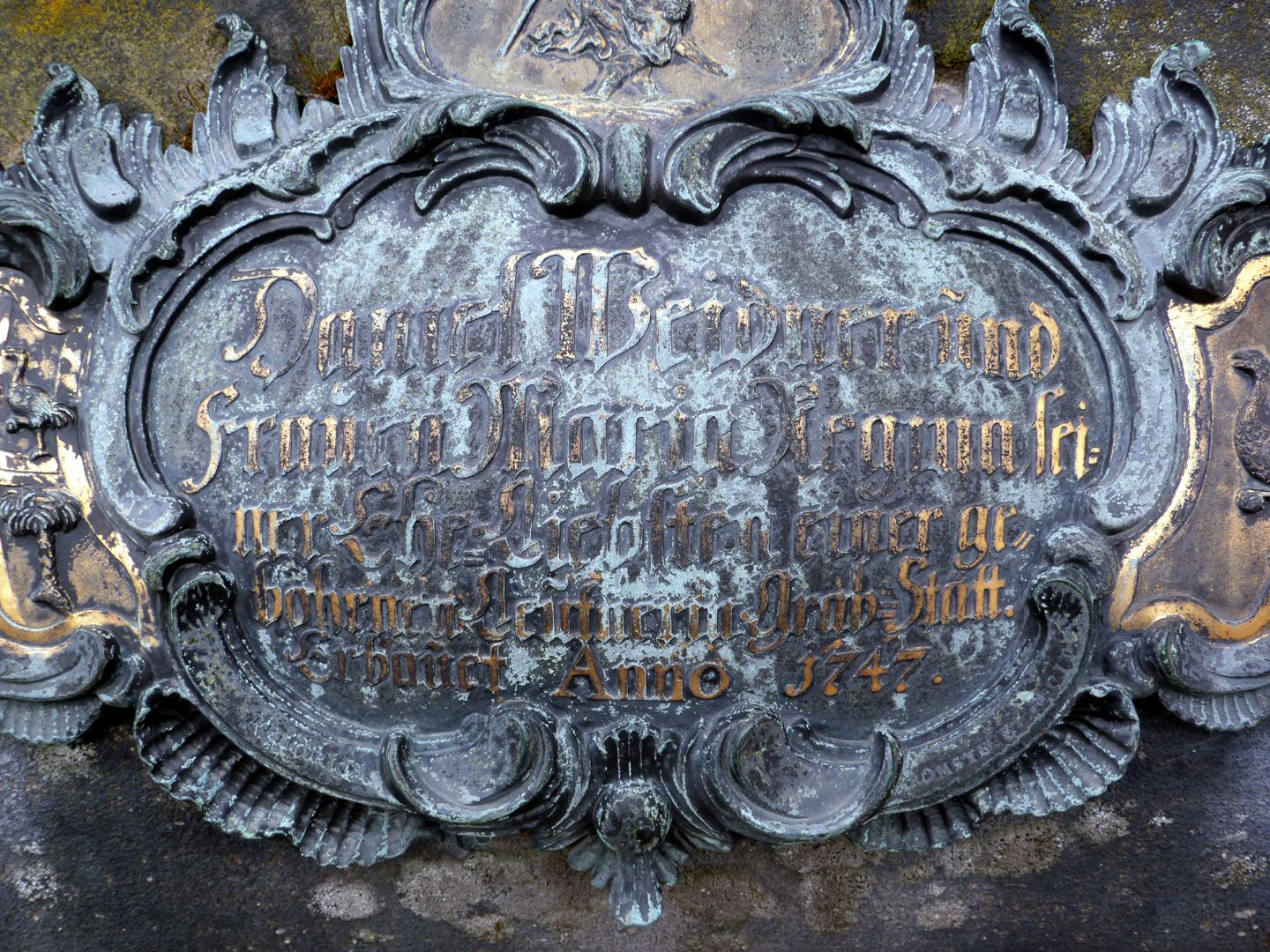 Tomb of Daniel Weidner and his spouse Maria Regina Leutner West side, ostrich