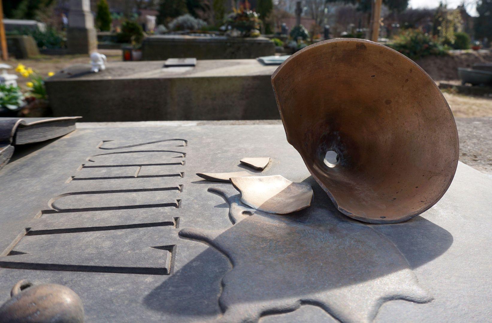 Johannisfriedhof Grabstätte II C 120 seitliche Ansicht