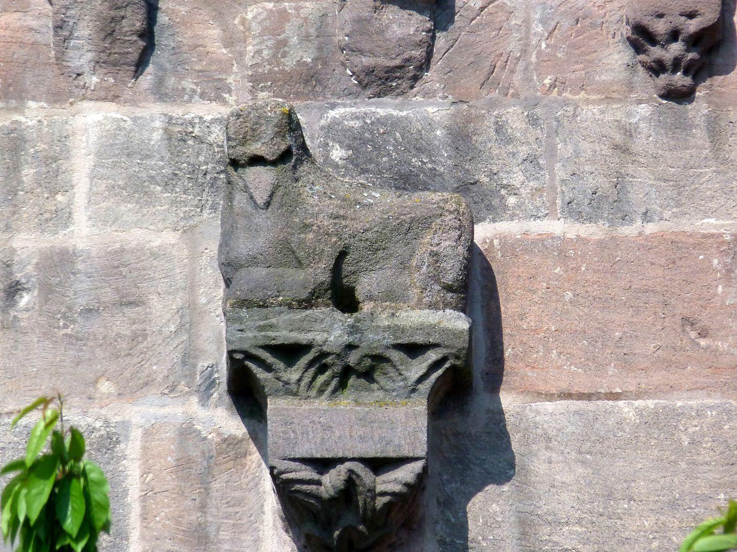 Kapelle der Kaiserburg Konsole mit Bestie, spätes 12. Jh.