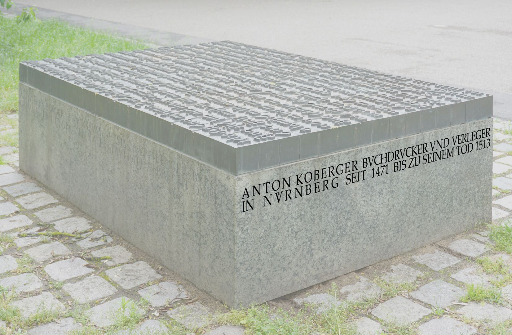 Anton Koberger / Memorial Stone Oblique view of the left side (View from southwest)