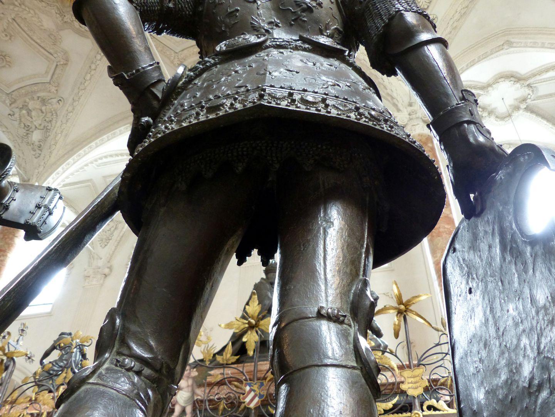 King Arthur (Innsbruck) Armor skirt, view from below