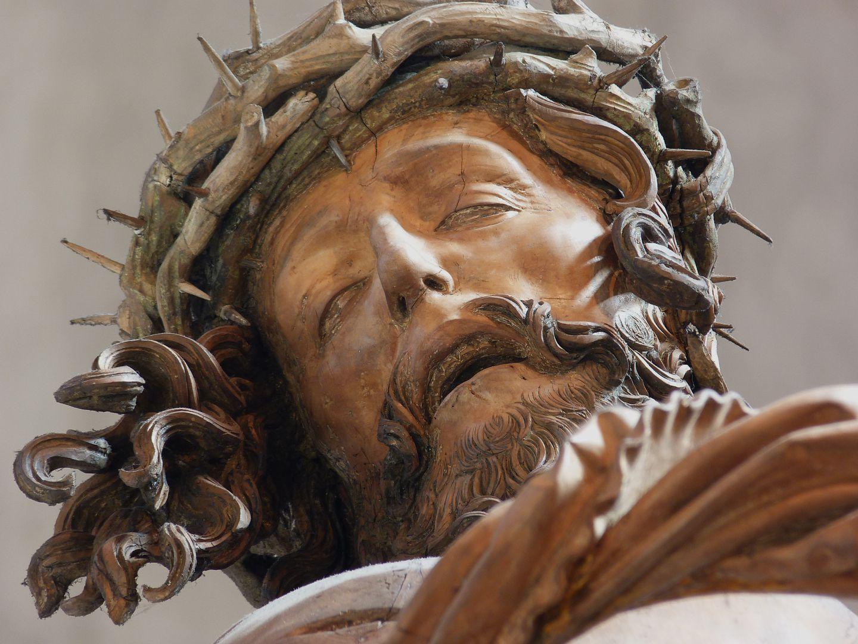 Crucifixus Head