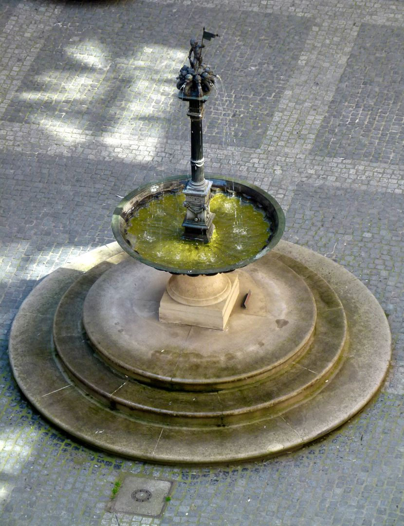 Putto-Fountain Total view from above