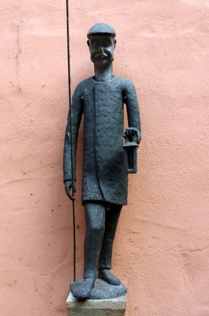 Lantern Lighter Fountain Figure