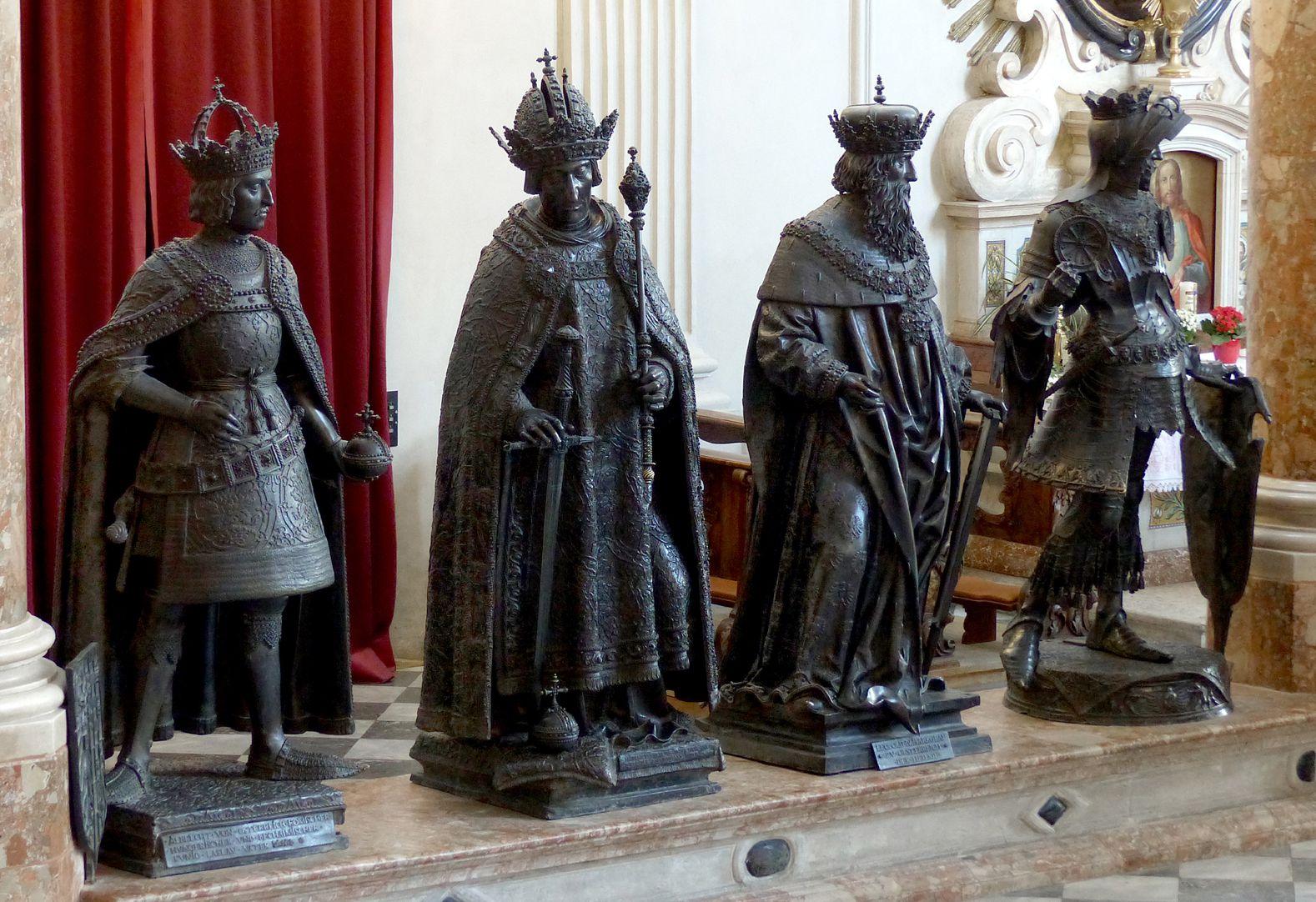 Leopold III (Innsbruck) Men´s side, third from the left