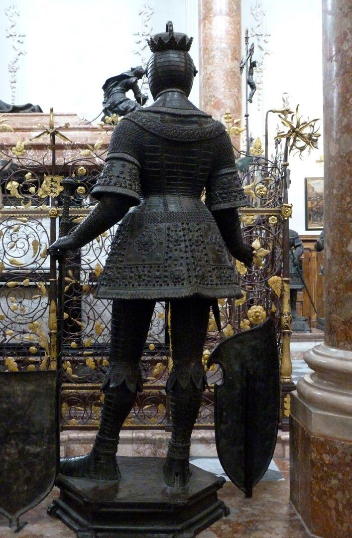 Herzog Leopold II. (Der Fromme) (Innsbruck) Rückansicht