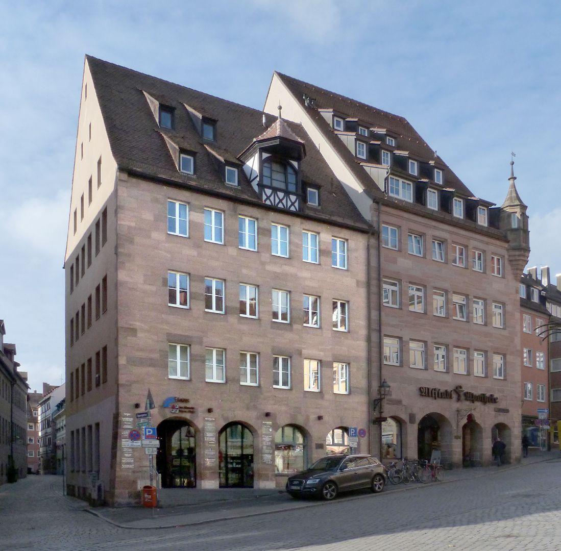 Medical centre View of the square houses, Albrecht-Dürer-Platz 9 and 11