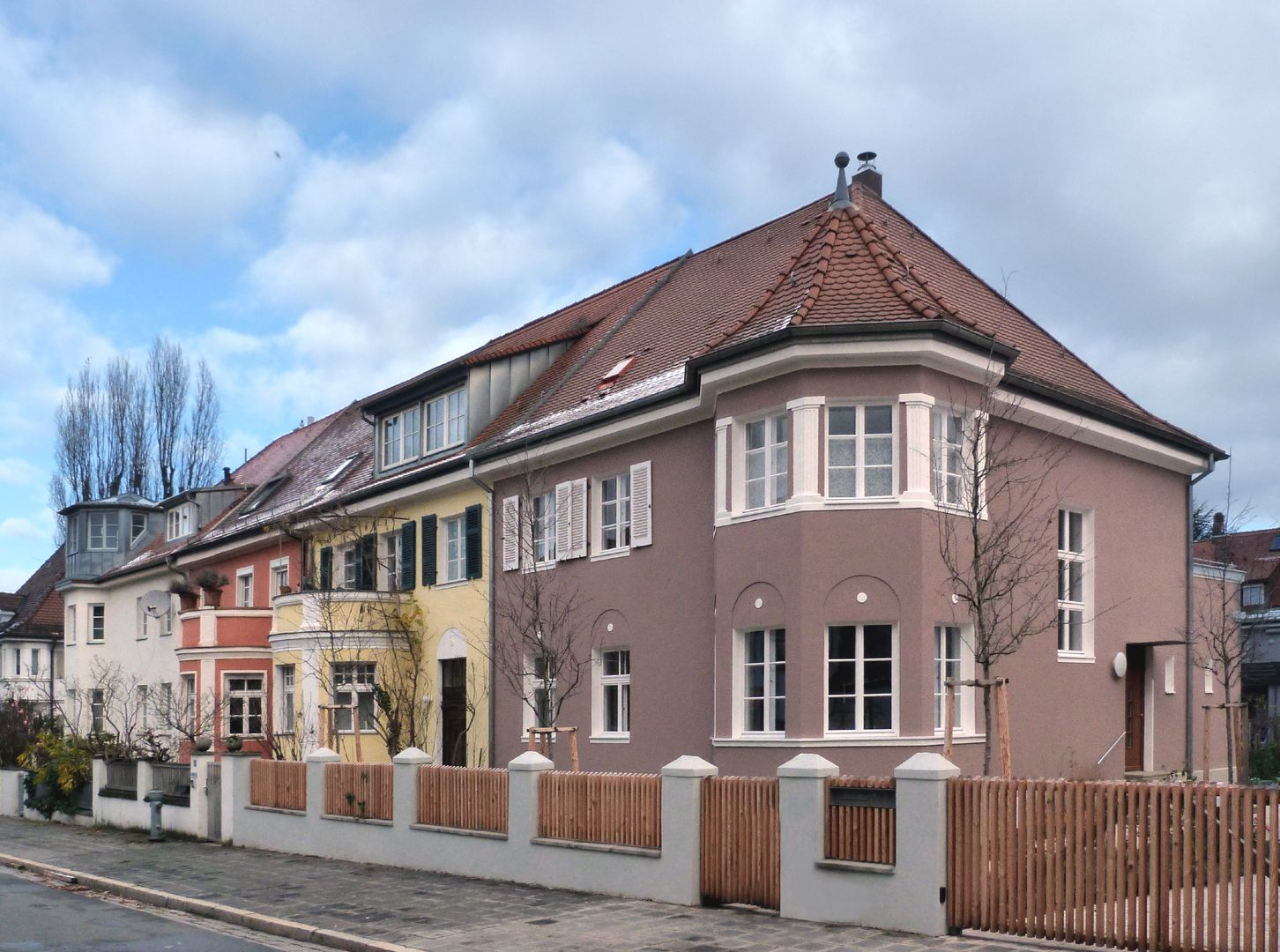 Row of houses in Danziger Straße view from the south
