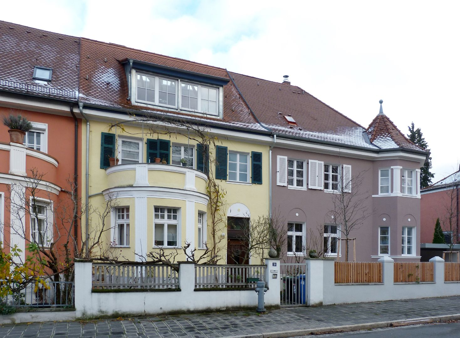 Row of houses in Danziger Straße View from the west