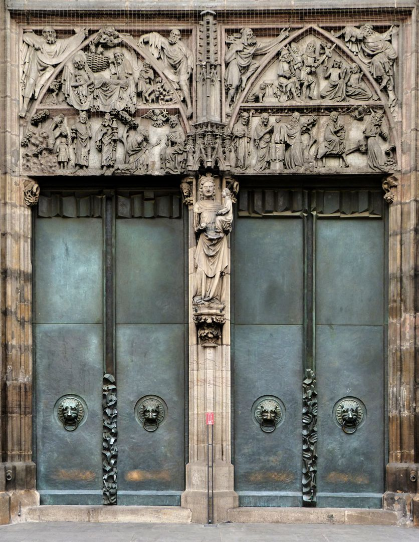 St. Lorenz-Church, West Entrance Portal, Bronze doors Portal with reliefs, trumeau and pair of bronze doors