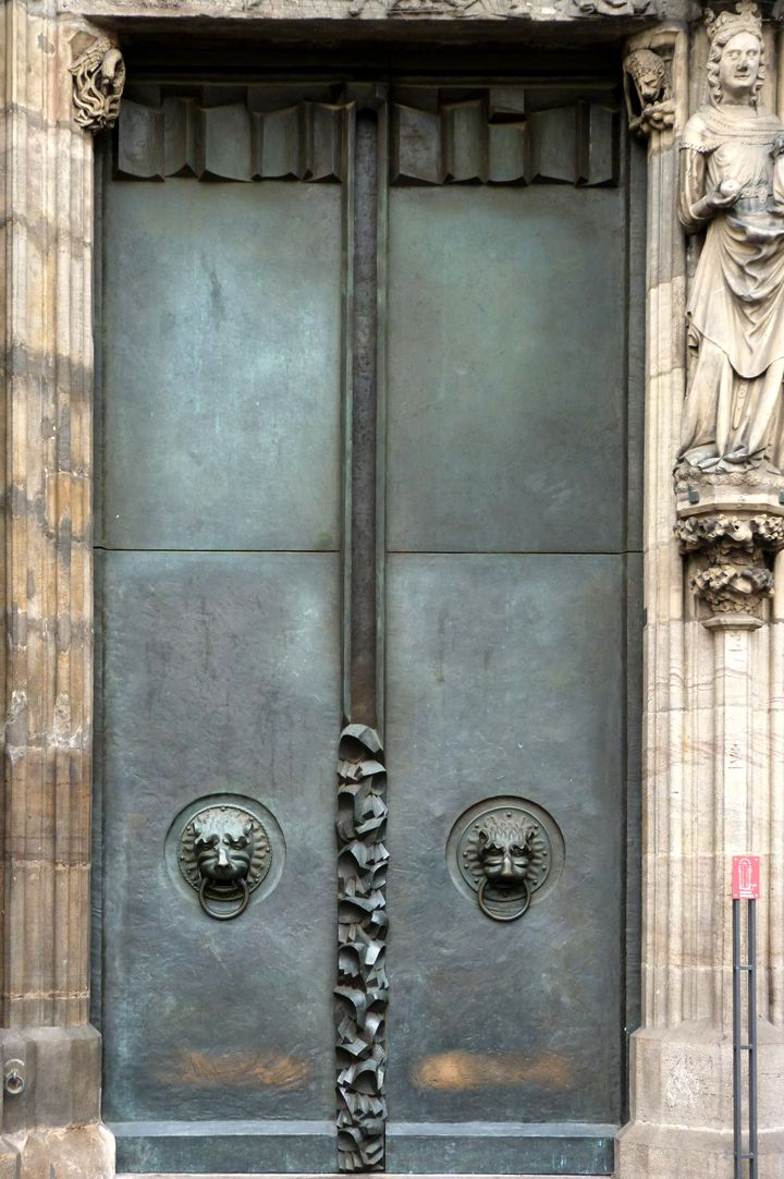 St. Lorenz-Church, West Entrance Portal, Bronze doors North door
