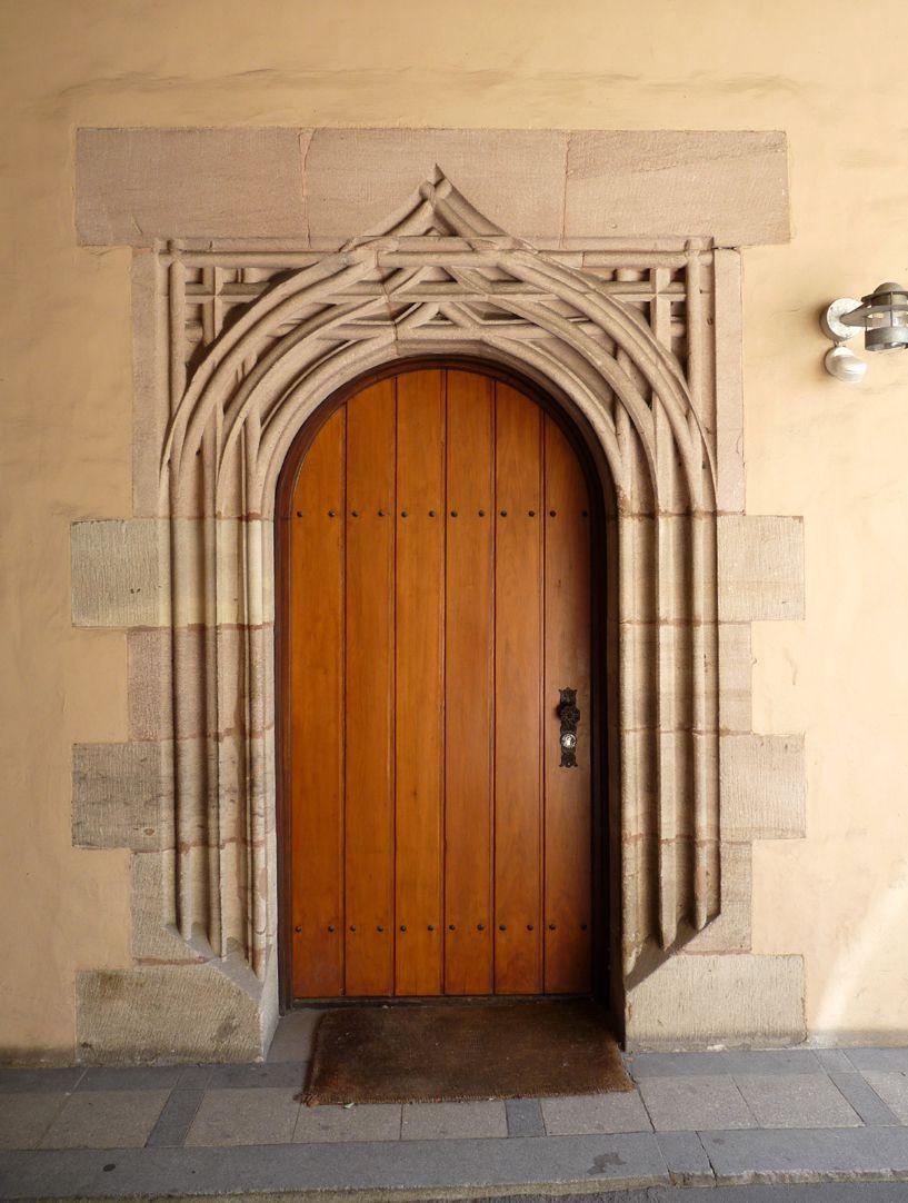 St. Lorenz-Church-Vicarage Thoroughfare, copy of the north portal entrance of the Landauer Twelvebrethren-Chapel
