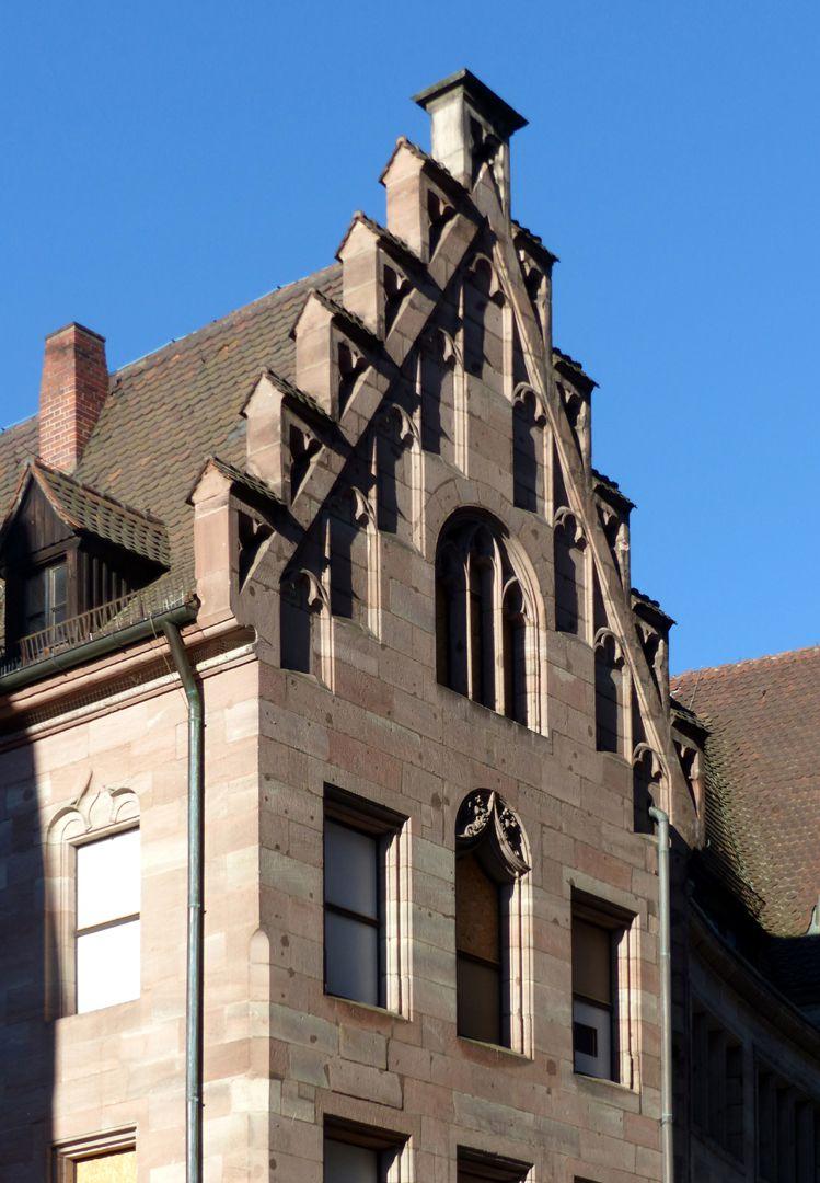 St. Lorenz-Church-Vicarage Treppengiebel mit Blenden, Schrägansicht