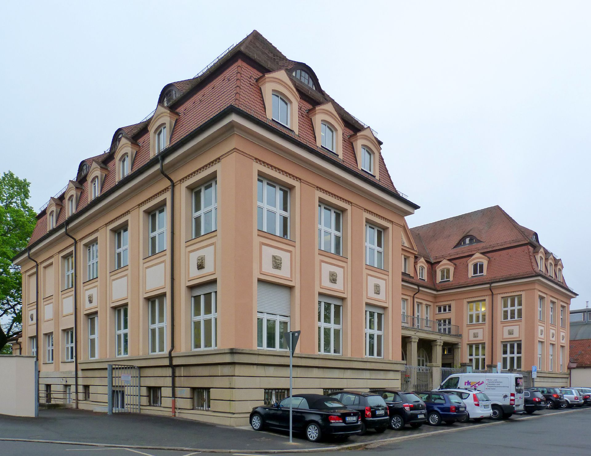 Administration building of Neumeyer Ltd. Lateral view