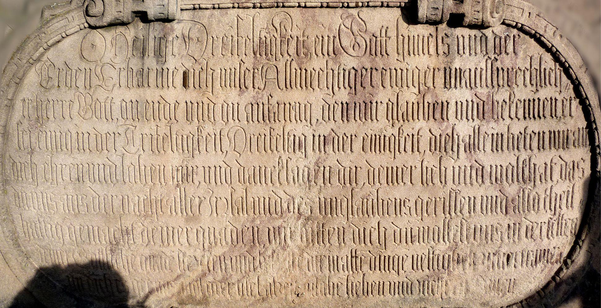 Gedächtnisstein des Wolfgang Münzer Basis, Inschrift, Frontal