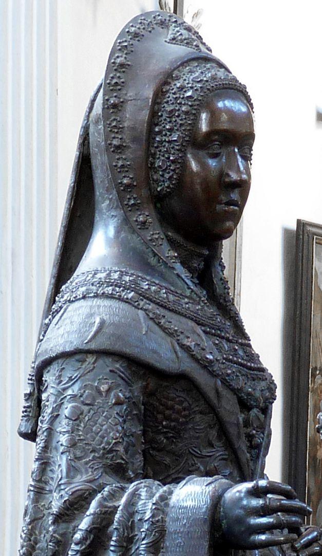 Margret of Austria (Innsbruck) Upper part of the body