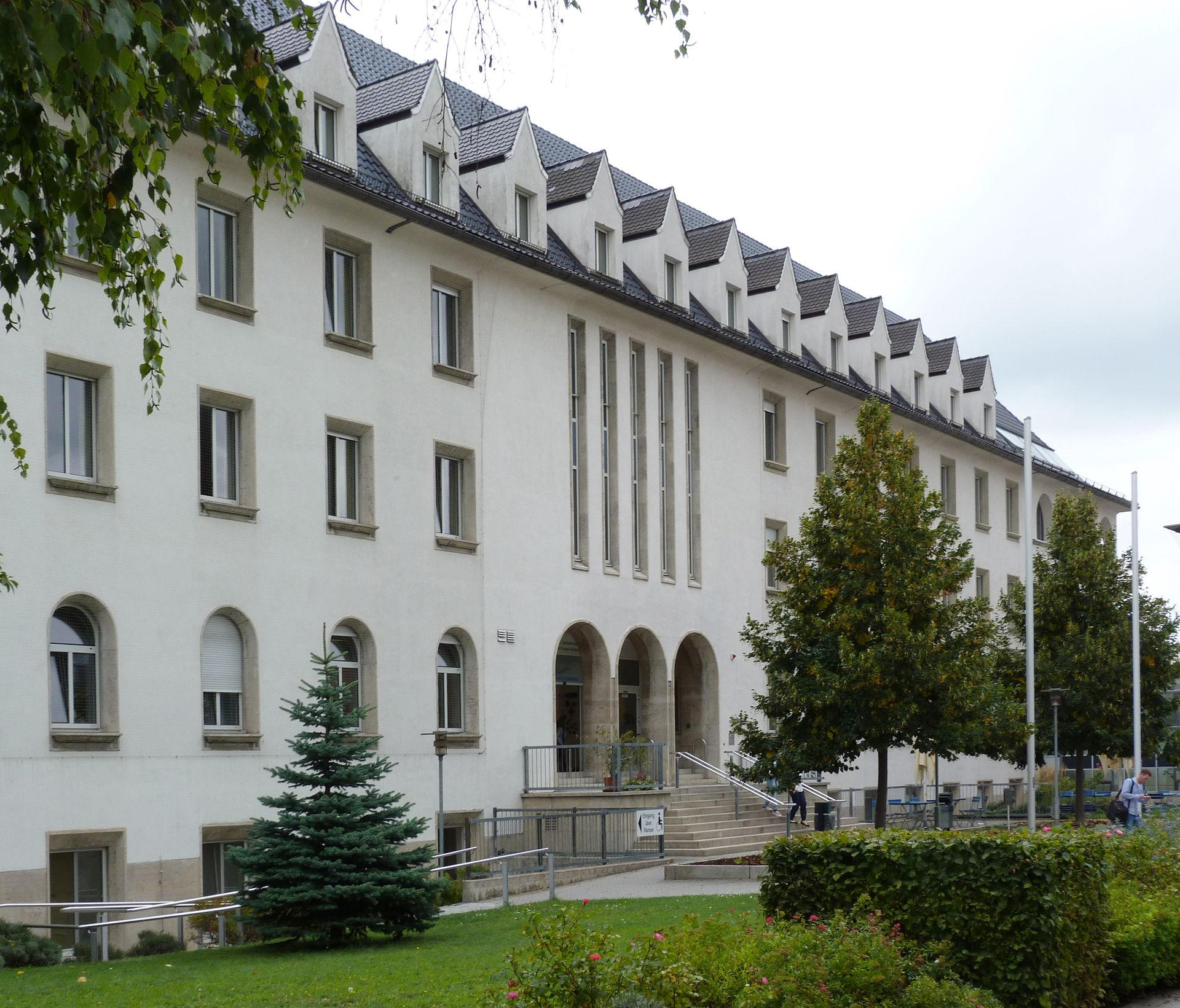 Theresien Hospital North front with main entrance