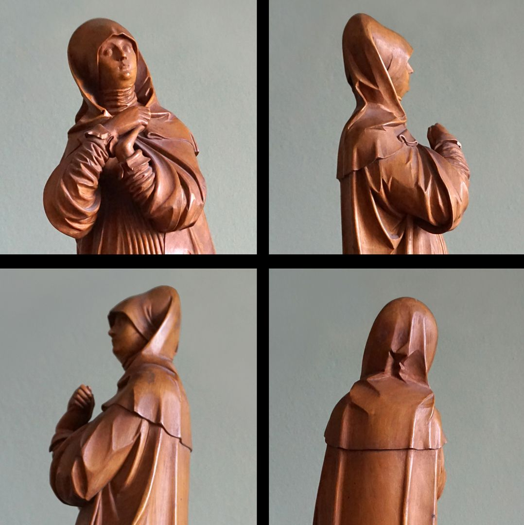 So-called Nuremberg Madonna Views of the upper part of the body