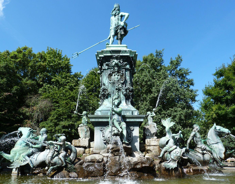 Neptun-Fountain Ansicht von Ost