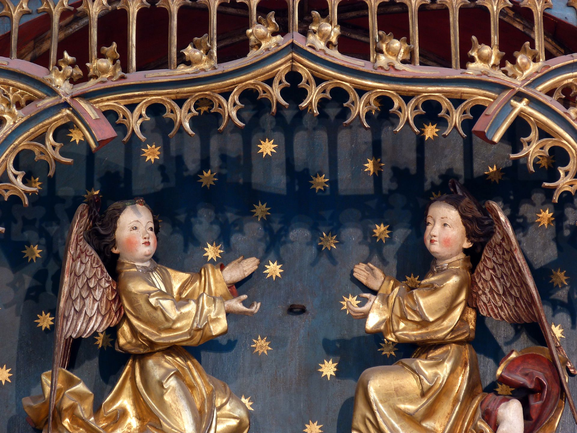 Peter´s Altar Shrine, coronation angels (the papal tiara they wore was removed during the Reformation)