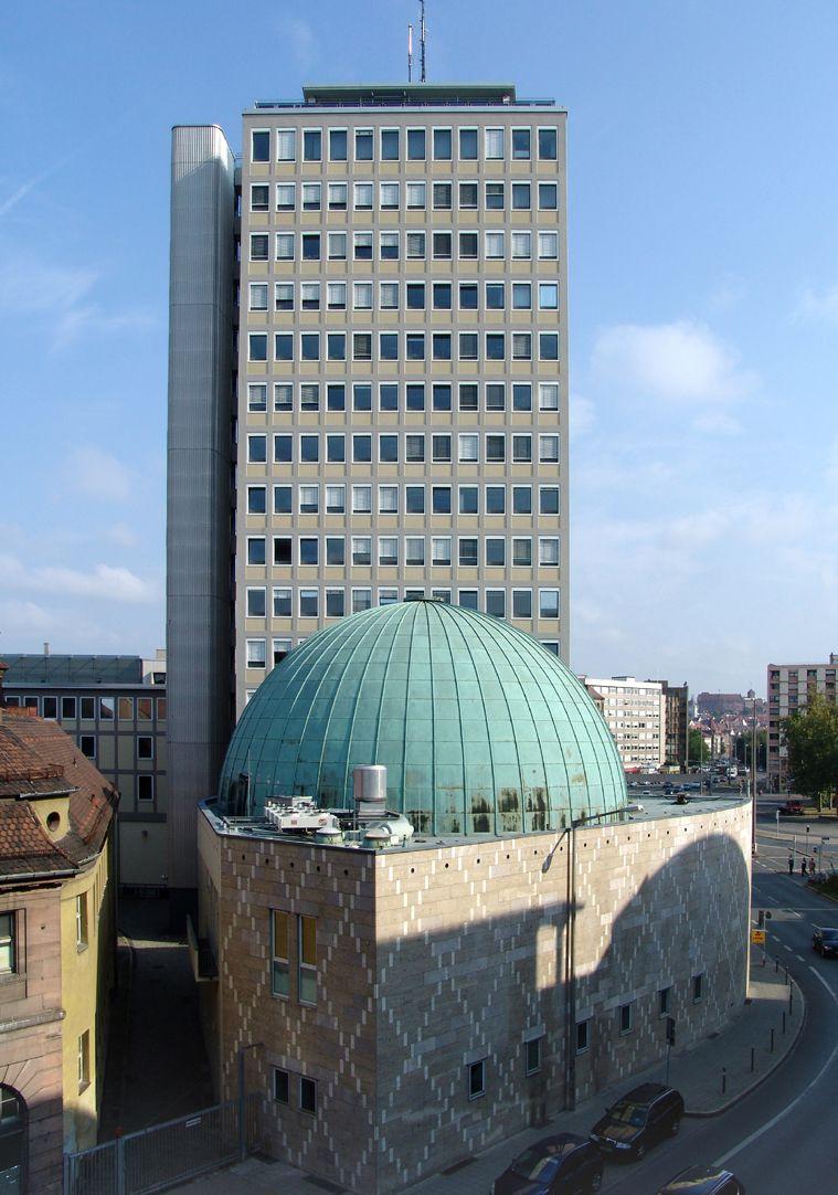 Nicolaus-Copernicus-Planetarium Ensemble planetarium and tower block