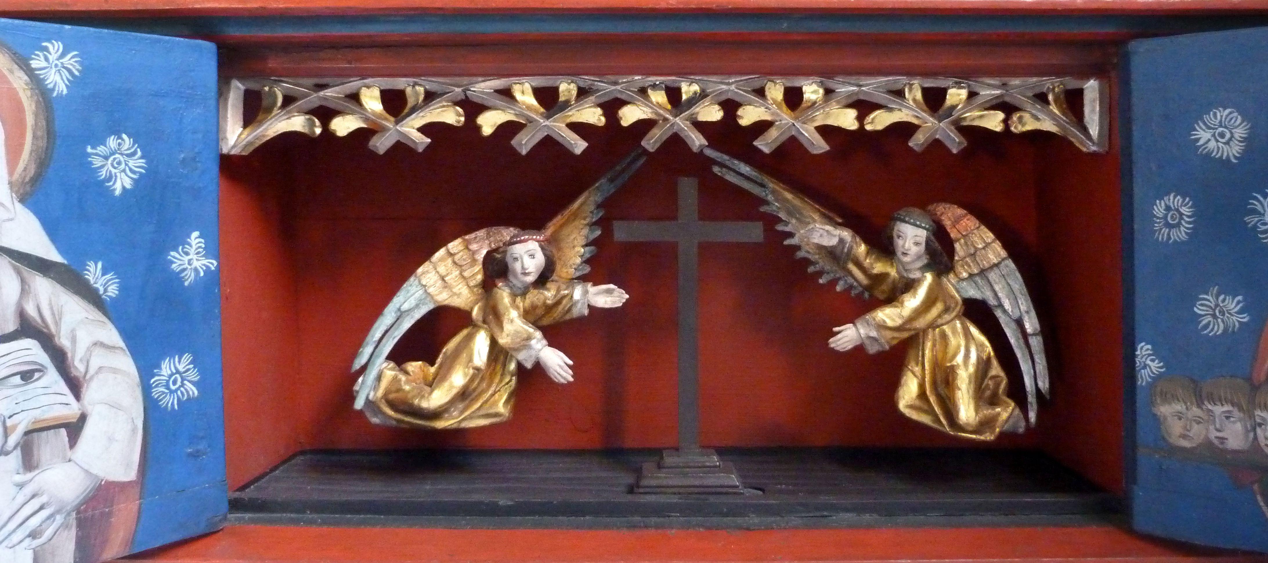 Puschendorfer Marienaltar Schrein der Predella, mit ursprünglich eine Krone tragenden Engelein, die in einen Hauptschrein gehörten