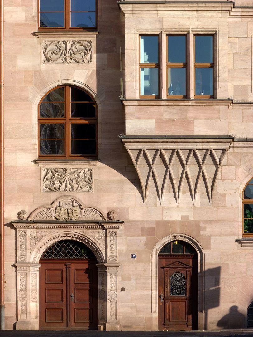 Central administration office Nebeneingang am Obstmarkt mit Chörlein