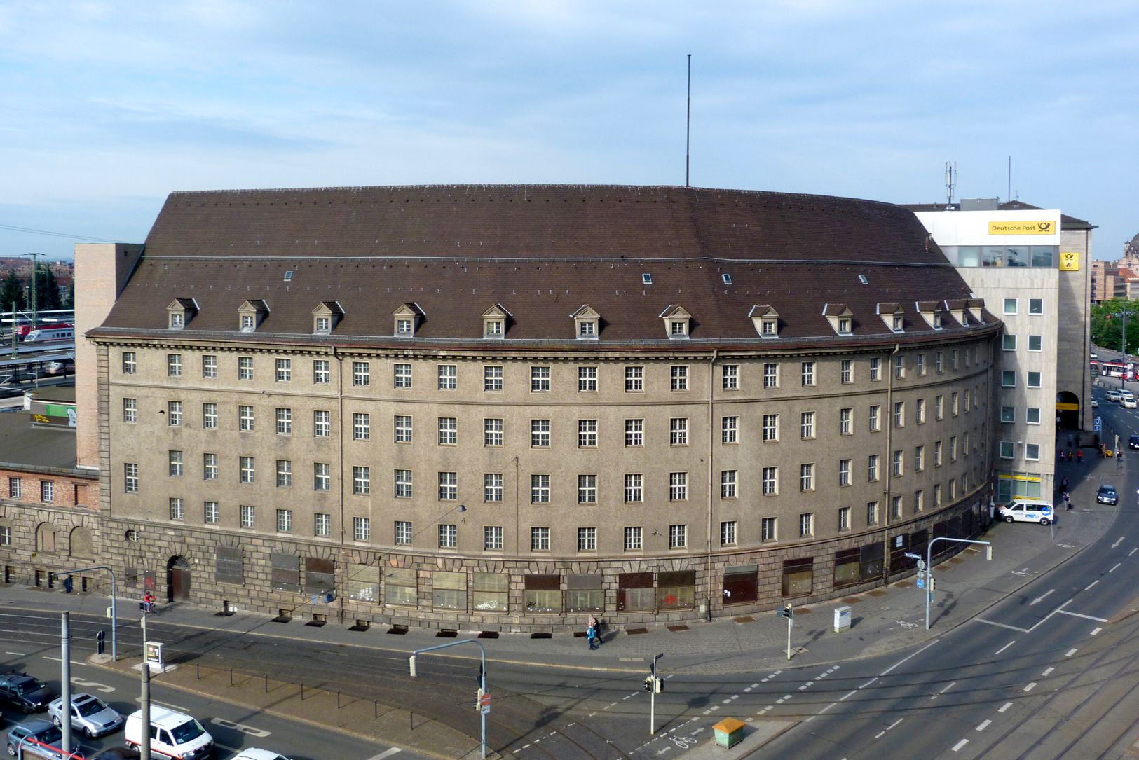 Former main post office, hemicycle General view, frontal