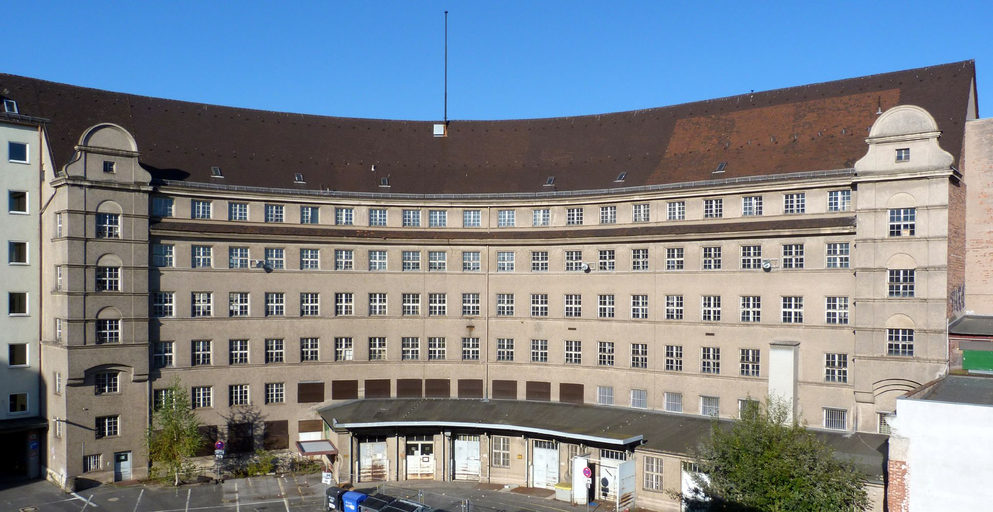 Former main post office, hemicycle Concave rear side