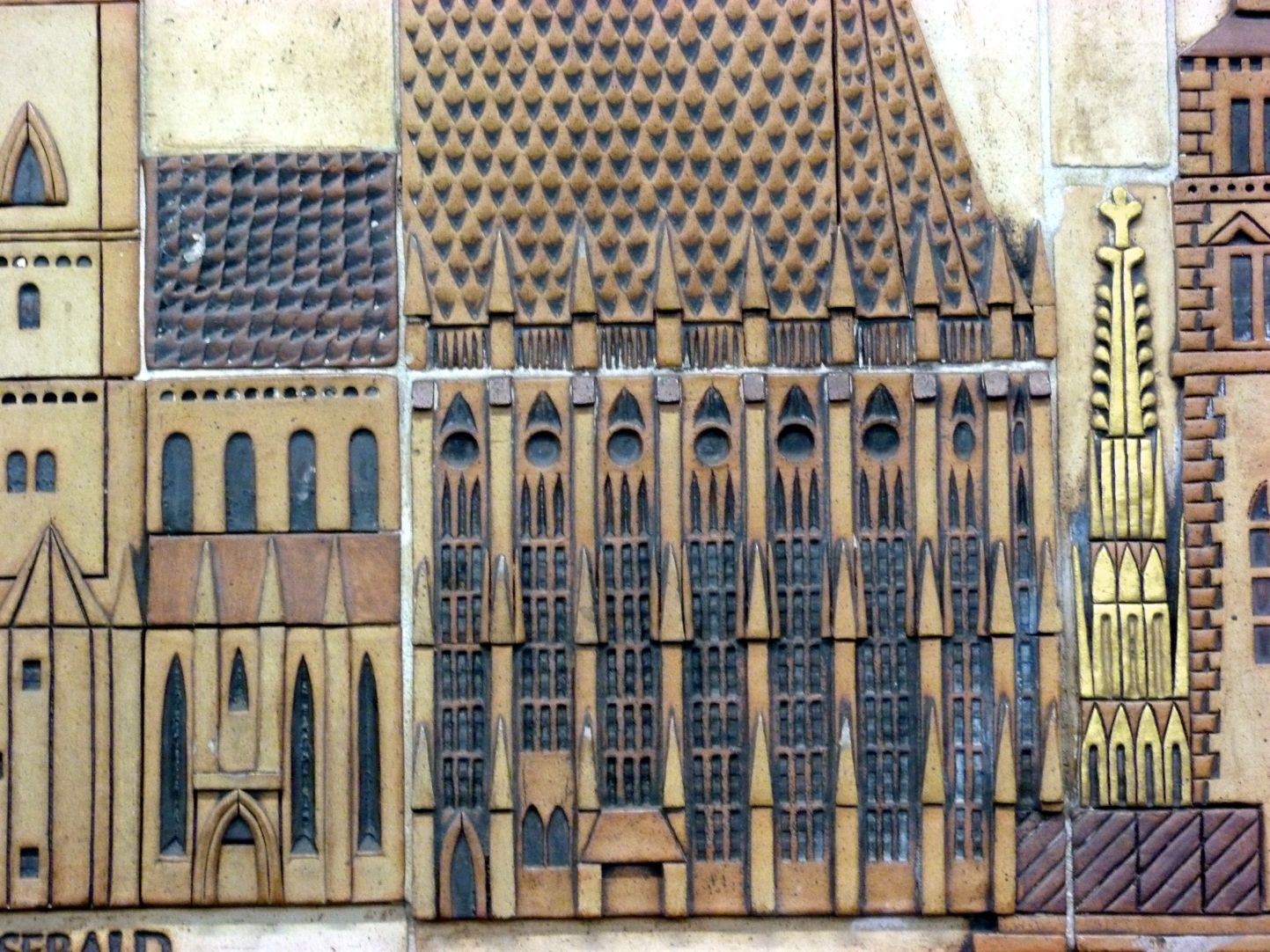 Ceramic relief of the Nuremberg Old City Detail: Choir of St. Selbaldus Church