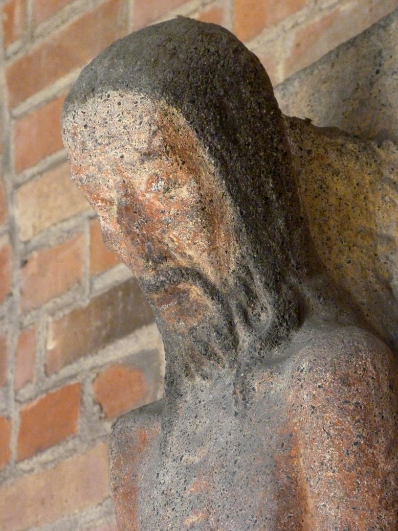 Man of sorrows Head, right lateral view