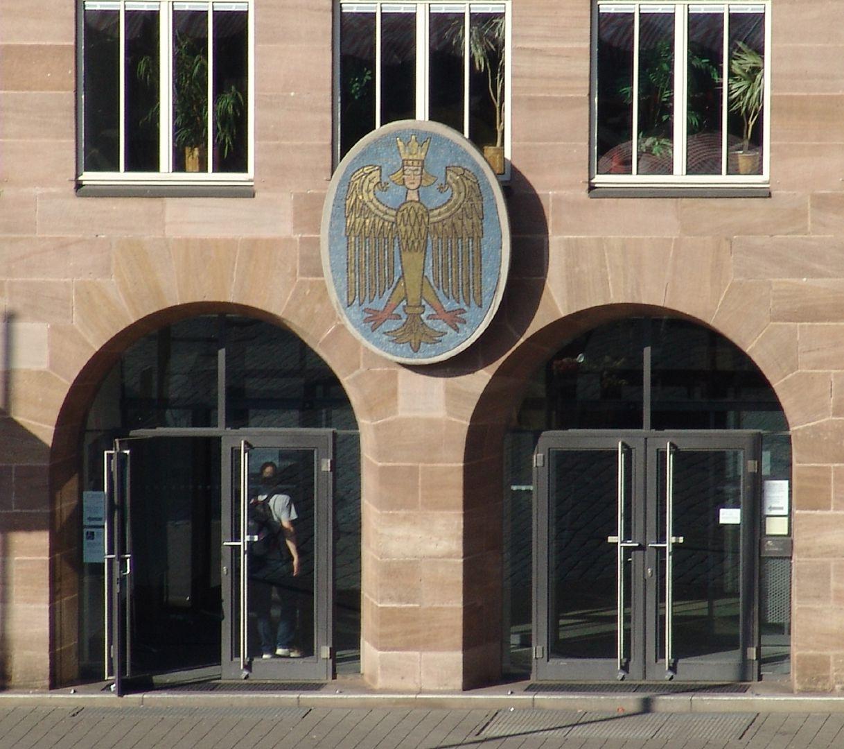 New City Hall at Hauptmarkt (Main Market) South front, twin portal