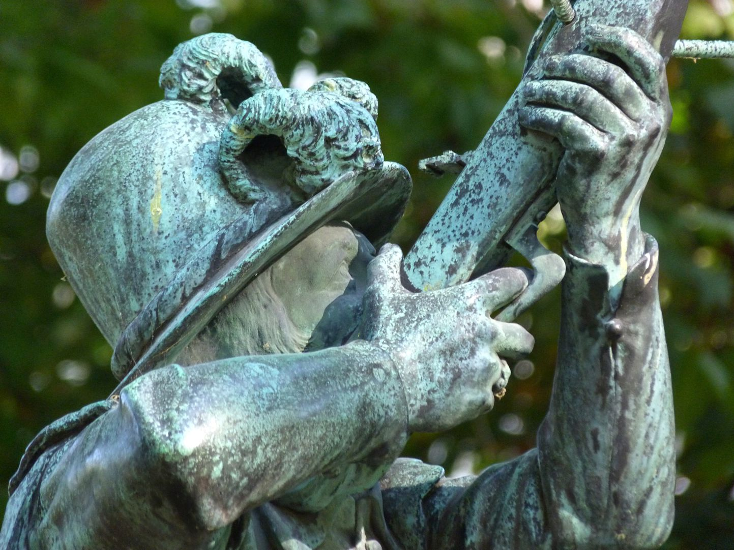 Crossbowman fountain Figure, detail
