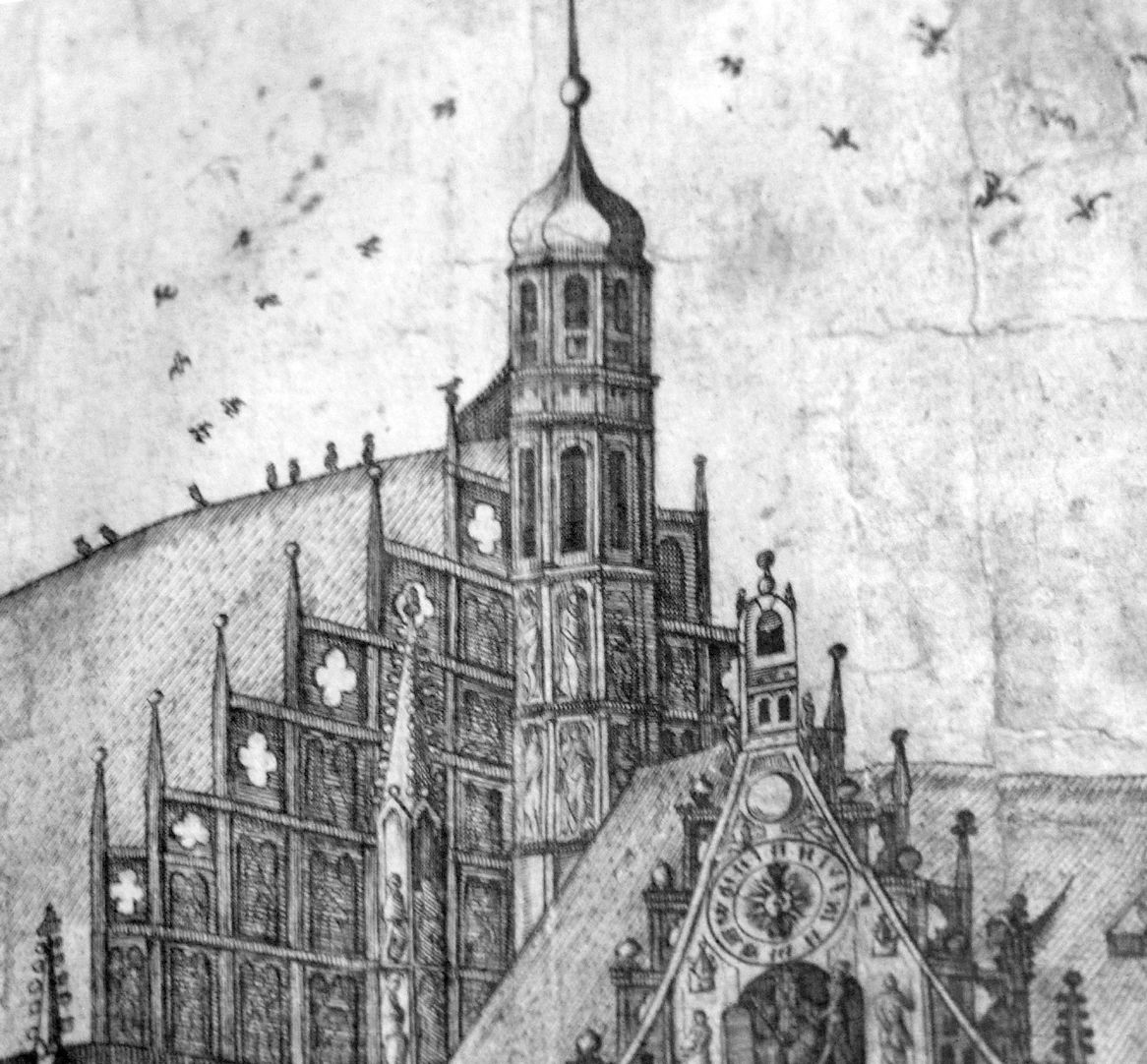 Real image of the market of the Imperial City of Nuremberg in detail Gable of Frauenkirche with the upper part of St. Michael´s choir
