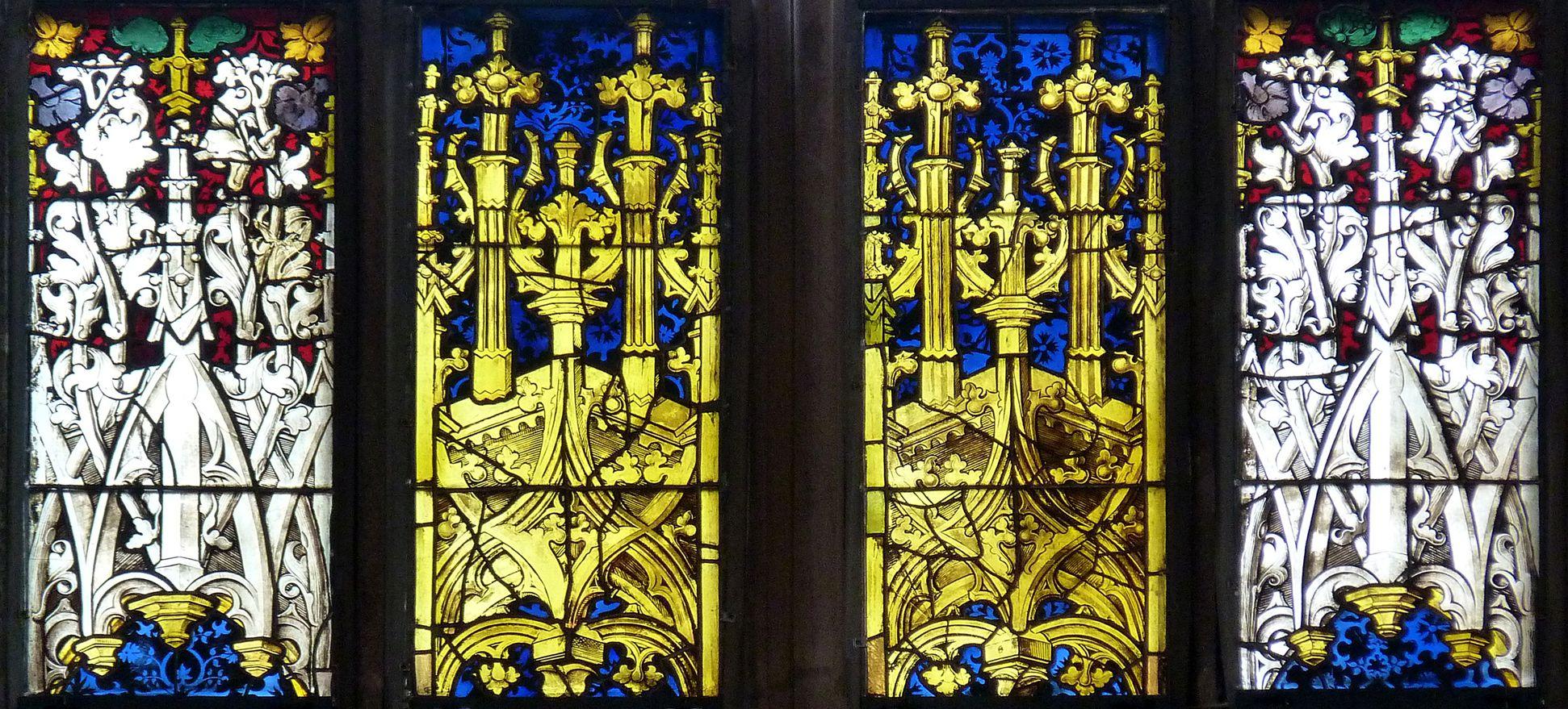 Bamberger Fenster vierte Fensterzeile von unten, Baldachine