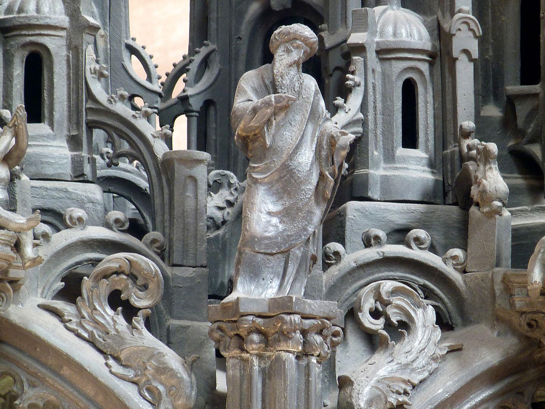 Sebaldusgrab (Südseite) Prophet zwischen den westlichen Baldachinjochen