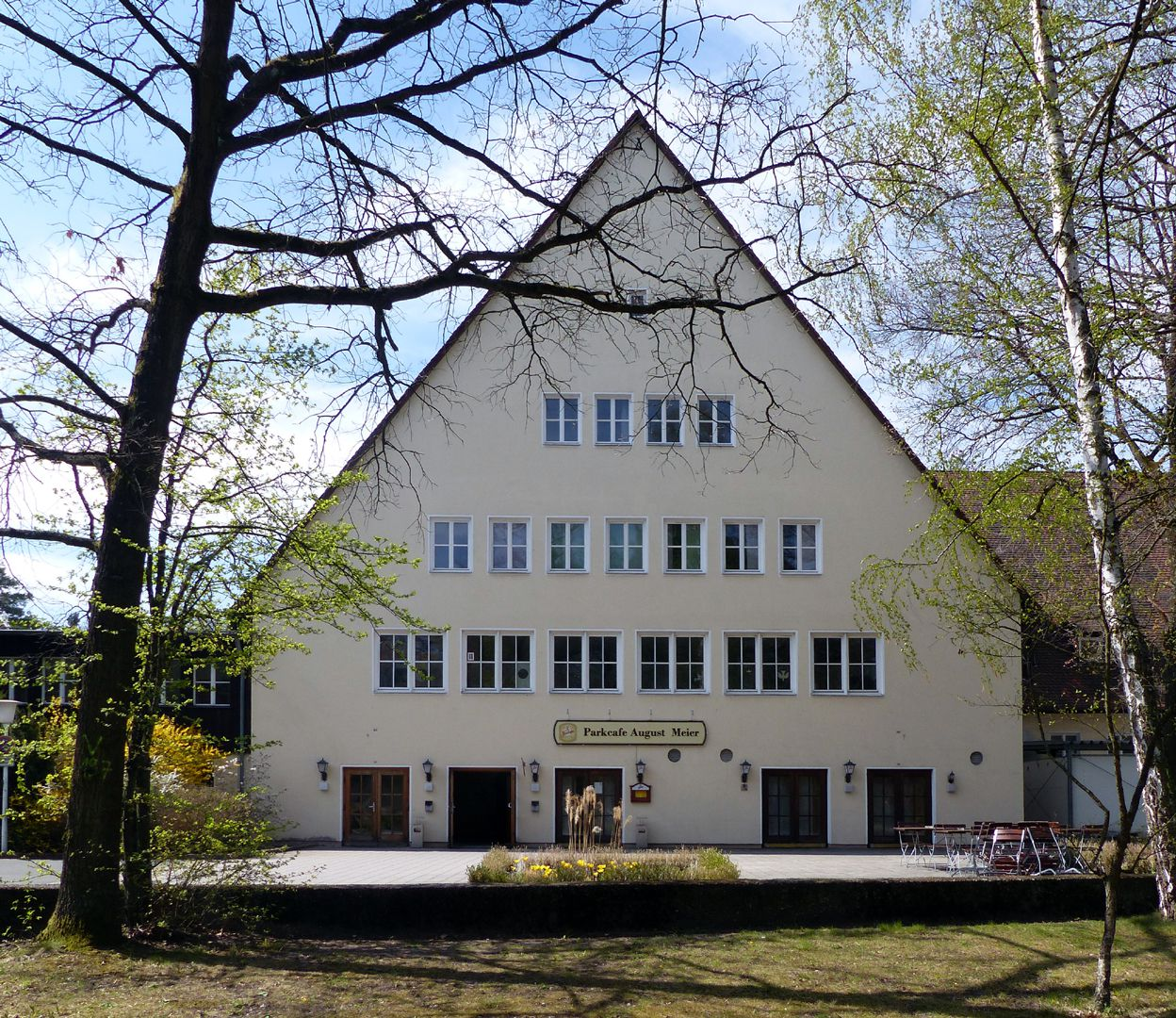 Workers´ accommodations (today August-Meier-Settlement) Main building with dining and reception hall