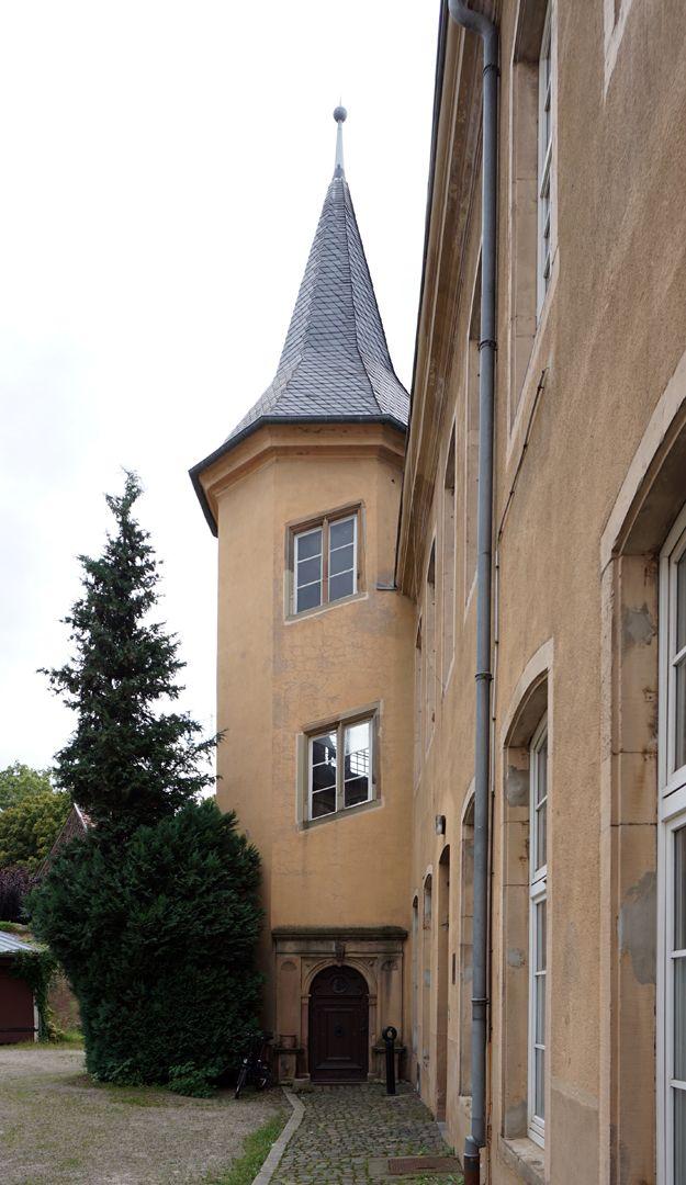 Treppentyp / Pellerhaus Straßburg: Treppentürmchen von außen
