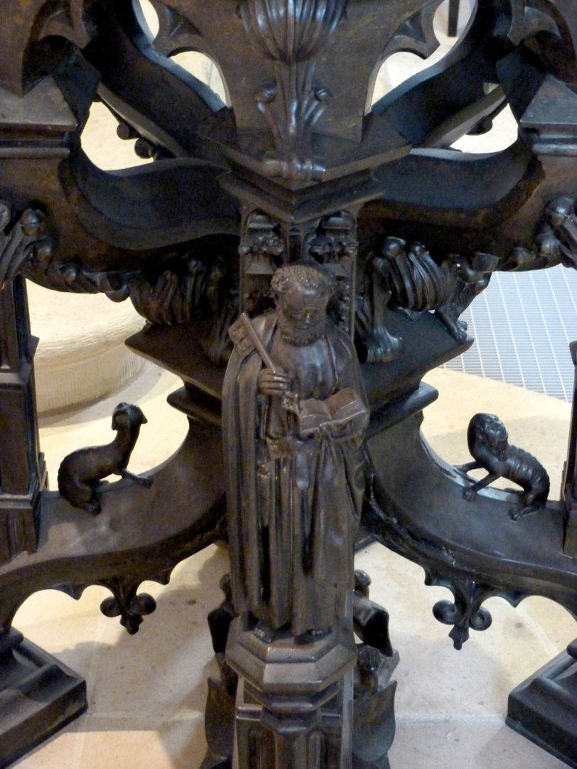 Baptismal font Apostle Peter, threedimensional figure