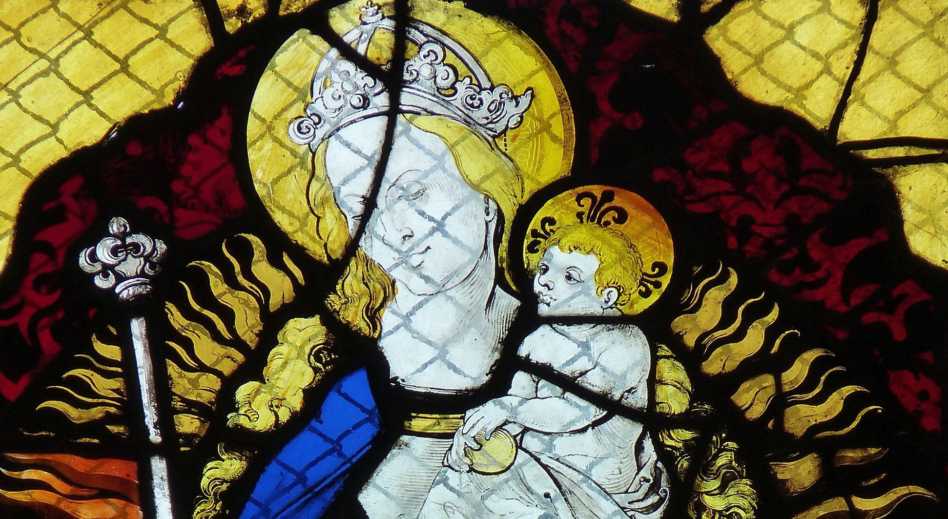 Chorfenster in der Tetzelkapelle Fesnter 2 b, Maria auf der Mondsichel, Detail