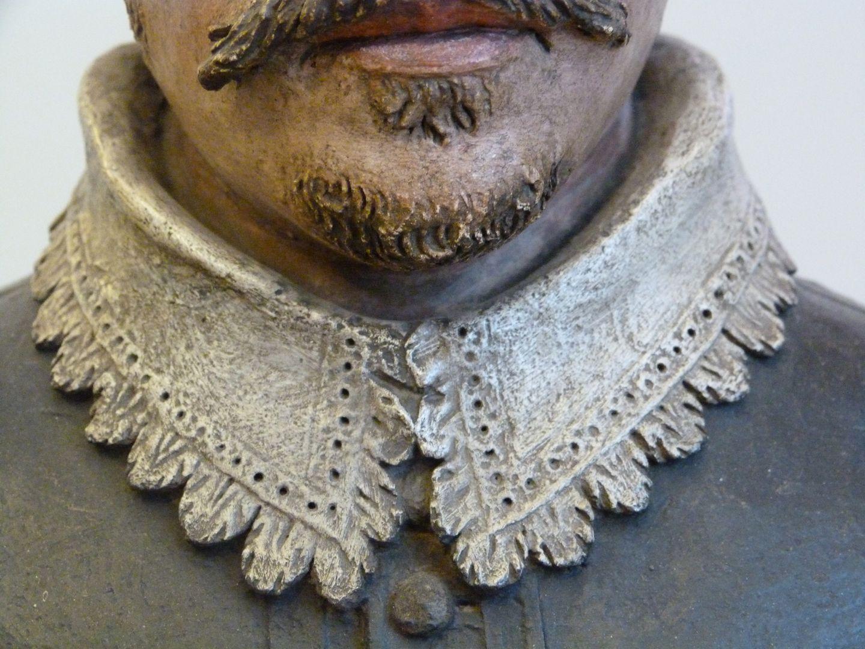 Bust of an unknown man Kragen