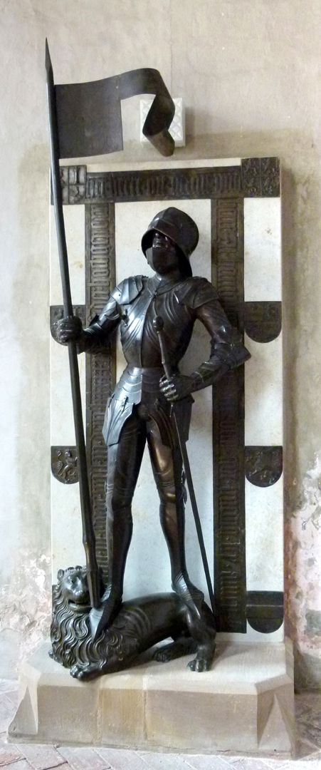 Bronze statue of Otto IV of Henneberg (Römhild) Total view
