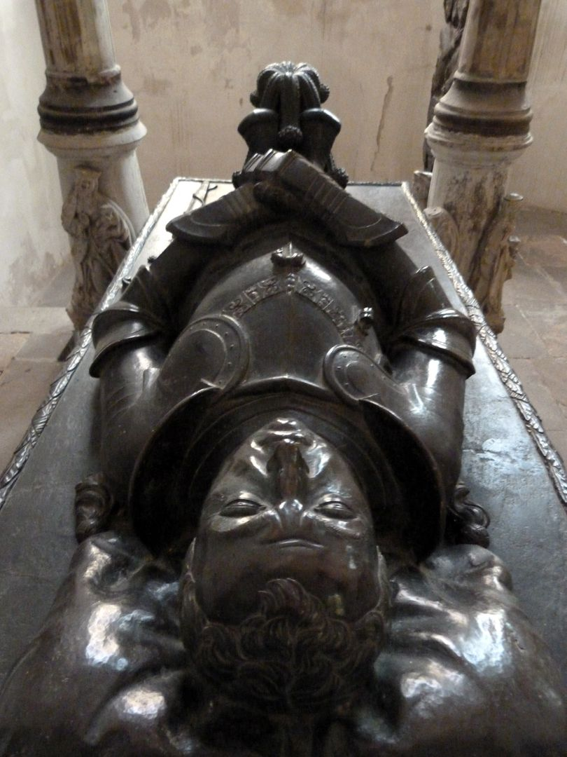 Tomb of Count Hoyer VI of Mansfeld-Vorderort (attribution) Lying figure, seen from the head