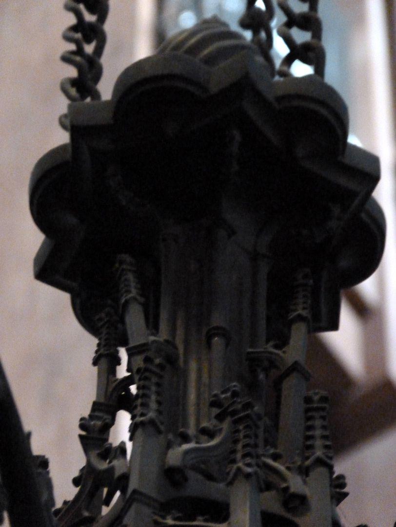 Bronze chandelier Detail of the suspension from below
