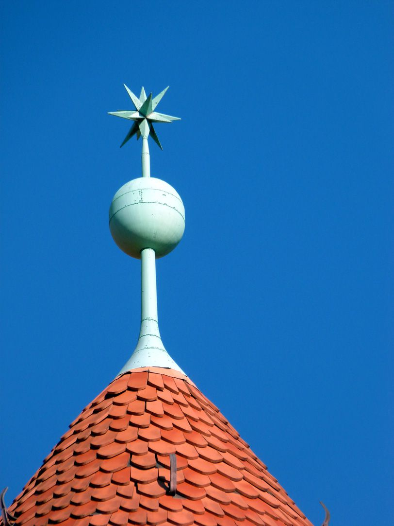Peter-Vischer-School Conical roof with spherical knob and star