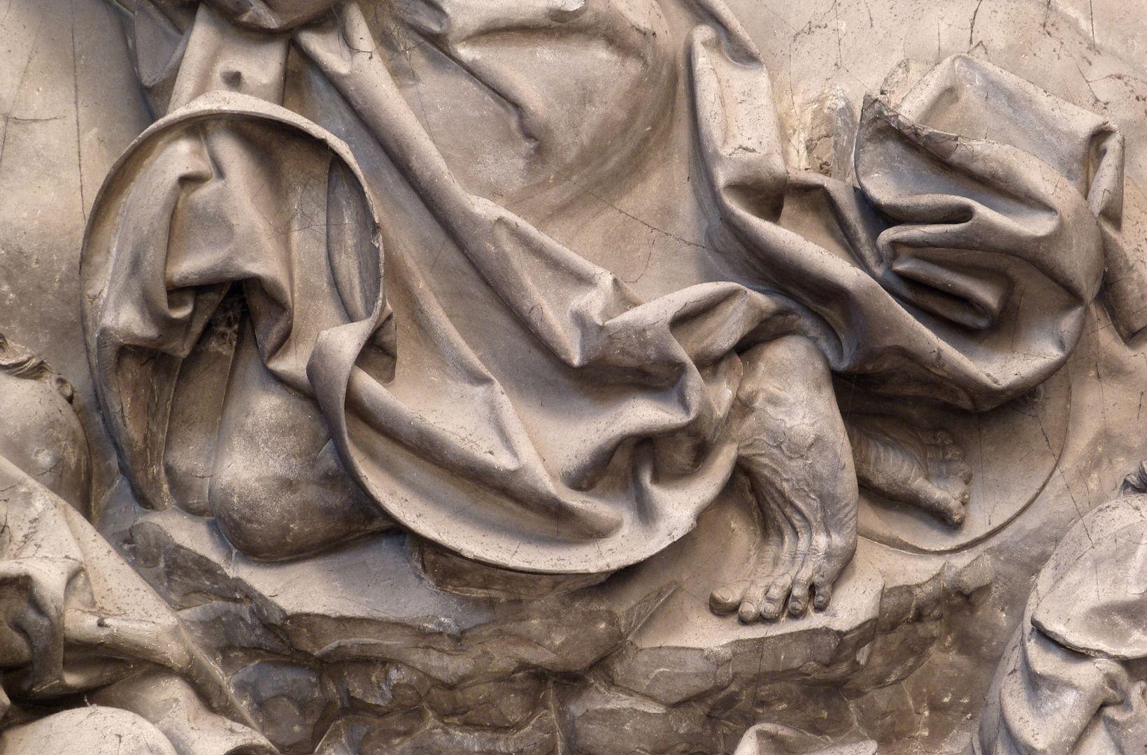 Volckamer Memorial Foundation, relief plates Ölberggebet, ohrmuschelförmiges Faltenwerk am Gewand Christi