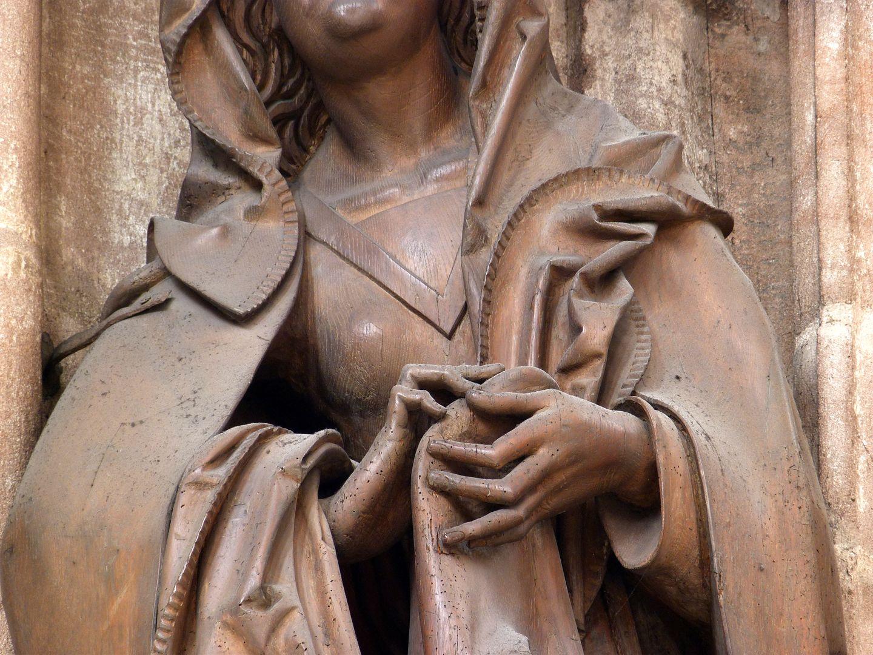 Volckamer Memorial Foundation, Mother of Sorrows Detail mit Händen