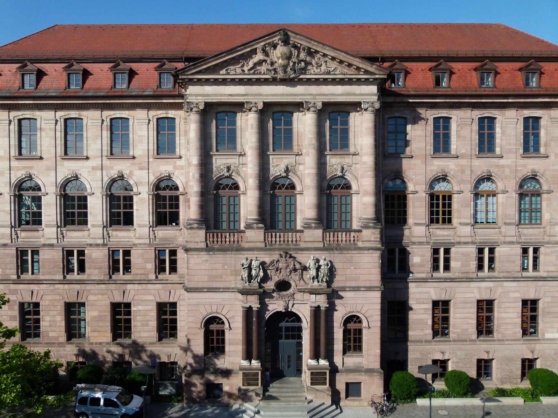 Former Bavarian Trade and Business Institute (Landesgewerbeanstalt) Main entrance front, northeast