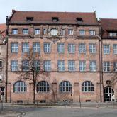 Primary School, Paniersplatz